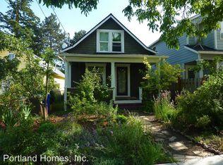8336 NE Holladay St , Portland OR