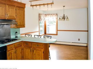 21 laurier st biddeford me 04005 zillow