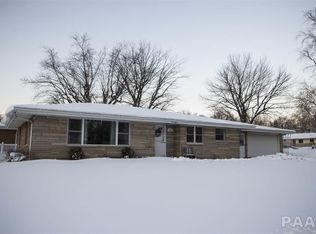 115 Donald Ct East Peoria Il 61611 Zillow