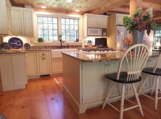 Traditional Kitchen With Kitchen Island Amp L Shaped In