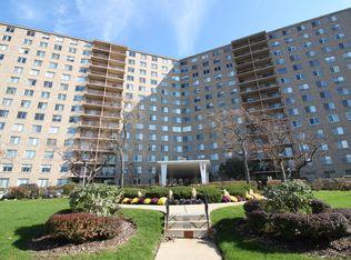 6833 N Kedzie Ave Apt 1112, Chicago IL