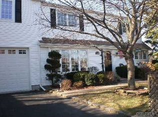 2520 Bedell St , Bellmore NY