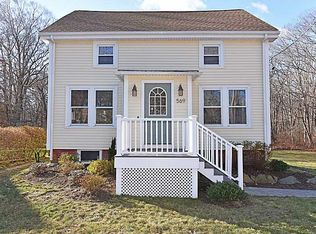 569 Boston Neck Rd , North Kingstown RI