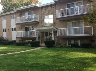 Riverside House Apartments - Willoughby, OH | Zillow
