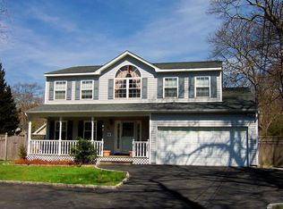 49 Timberpoint Rd , East Islip NY