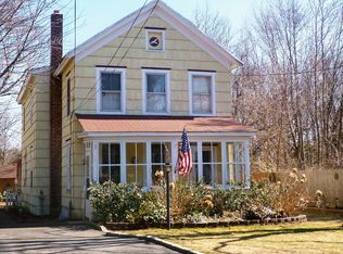 107 Oakwood Ave , Bayport NY