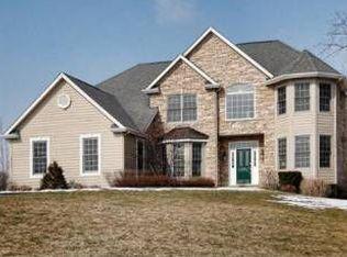 39675 Orchard Bluff Ln , Wadsworth IL
