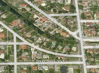 6743 S Waterway Dr , Miami FL