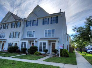 43535 Kiplington Sq , Chantilly VA
