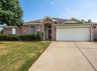 7736 Stonebank Ct , Fort Worth TX
