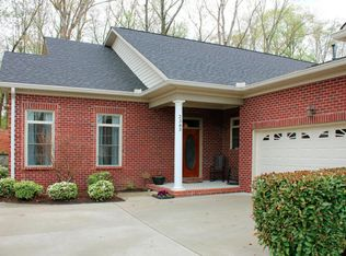 2383 Mountain Dr , Lenoir City TN