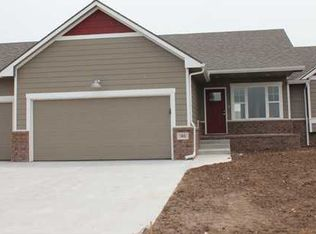 302 Springlake Ct , Newton KS