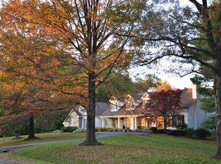 9204 Hidden Creek Dr , Great Falls VA