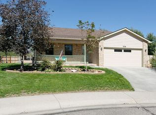 206 Valley Ct , Windsor CO