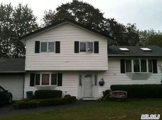12 Weldon Ln , Port Jefferson Station NY