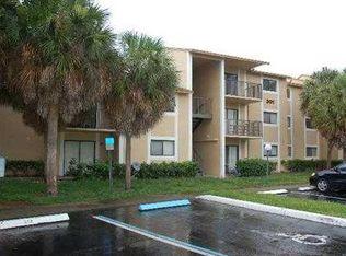 301 Palm Way Apt 304, Pembroke Pines FL