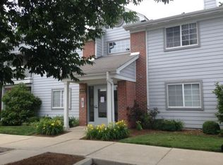 8306 Glenwillow Ln Unit 101, Indianapolis IN