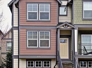 2671 SW Sylvan Heights Dr , Seattle WA