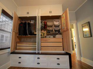 Traditional Closet With Built In Bookshelf Amp Hardwood