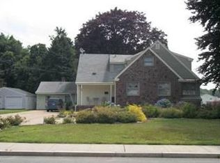 86 East Ave , Westerly RI