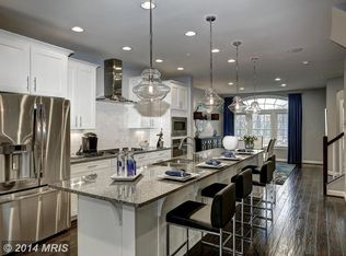Kitchen With Kitchen Island Stone Tile In Annapolis Md Zillow Digs Zillow