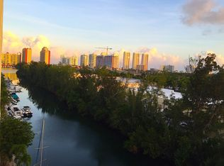 3660 NE 166th St Apt 809, North Miami Beach FL