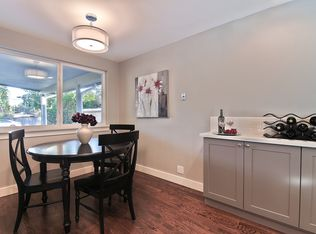Kitchen With European Cabinets Amp Flat Panel Cabinets In