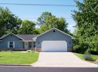 211 North Ave , Watertown WI