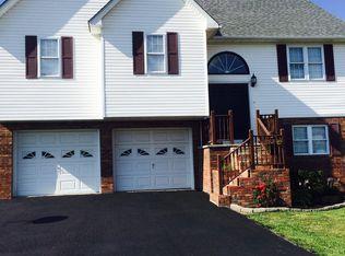 152 Chase Ln , Princeton WV