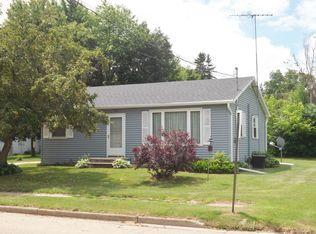 127 Oak Ave , Gillett WI