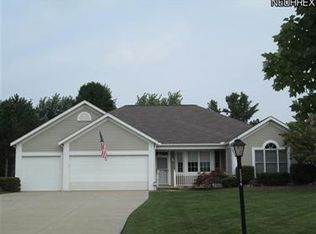 22374 Country Meadows Ln , Strongsville OH