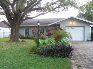 1835 5th St, Vero Beach, FL 32962 | Zillow Florida Homes Designs K E A on