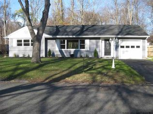 25 Village Dr , Saugerties NY