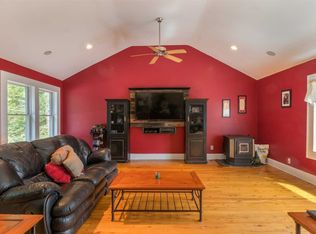 28 Victoria Cir, East Patchogue, NY 11772 | Zillow