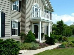 16 Marshwood Dr , Collegeville PA