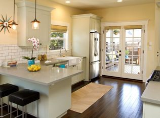 Traditional Kitchen With Breakfast Bar Amp French Doors In
