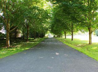 345 Queens Grant Rd , Fairfield CT