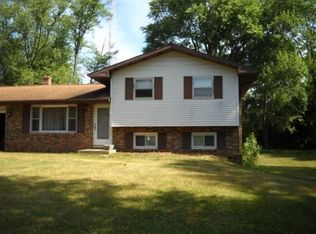 1435 E Island View Dr , Warsaw IN
