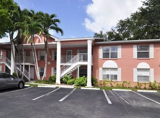 267 Quail Forest Blvd Apt 109, Naples FL