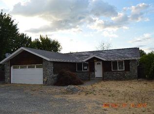 2820 Redwood Ave , Grants Pass OR