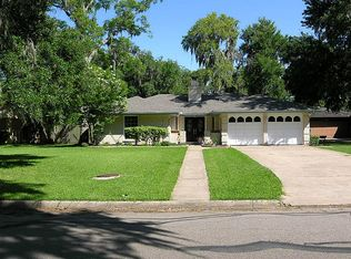 125 Pleasant Valley Dr , West Columbia TX