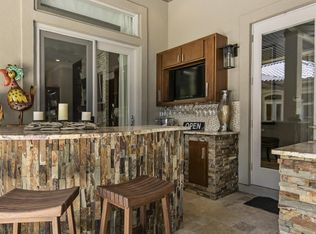 Contemporary Kitchen With Crown Molding Amp Complex Granite