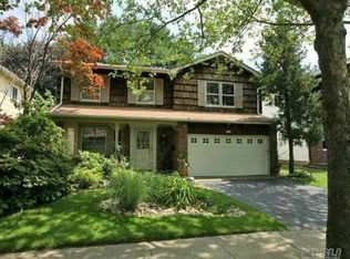 22 Marlin Ln , Port Washington NY