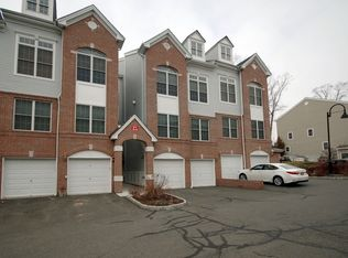 15 Goffle Brook Ct # 208, Hawthorne NJ