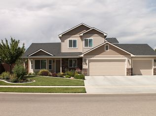 817 S Whitewater Dr , Nampa ID