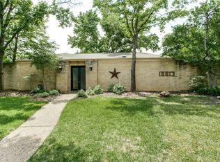 16613 Vicarage Ct , Dallas TX