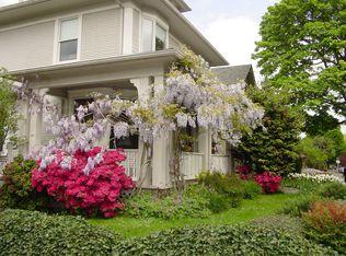 2605 SE Taylor St , Portland OR