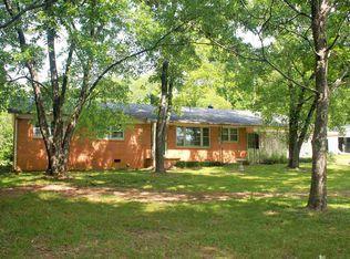2192 N Royal St , Jackson TN