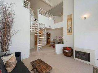 15425 Antioch St Unit 304, Pacific Palisades CA