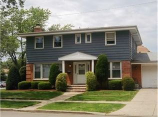 7616 Davis St , Morton Grove IL